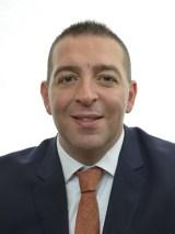 Roger Haddad (L)